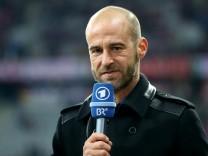Bayern Muenchen v FC Schalke 04 - DFB Cup Quarter Final; Scholl