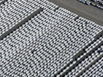VW-Werk Emden mit Autoterminal; VW-Werk in Emden