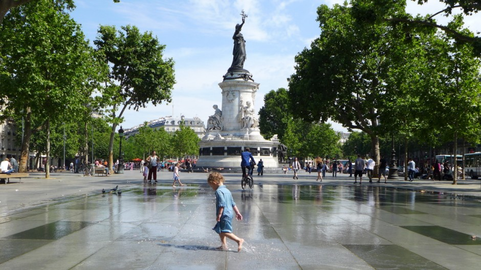 Paris place republique