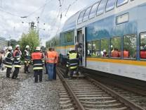 T41067 2017; Oberleitungsschaden bei der Bahn auf Höhe Feldmoching