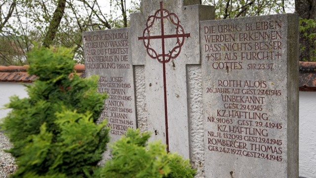 Gedenkfeier des VVN - Bund der Antifaschisten in Tüntenhausen