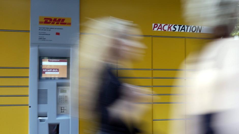 Neue Packstation beim Postamt am Färbergraben, 2004