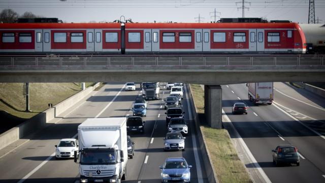 München: Verkehrs-Chaos / Pendler-Problem / Berufsverkehr