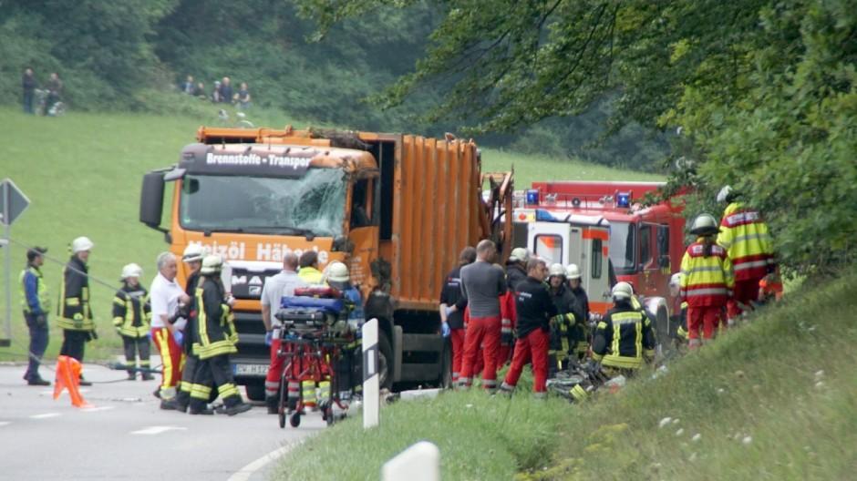 Unfall mit Müllwagen