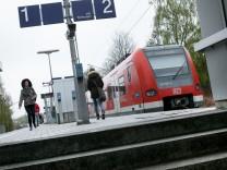 Treppe am S-Bahnhof Perlach in München, 2017