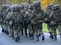 Soldaten marschieren