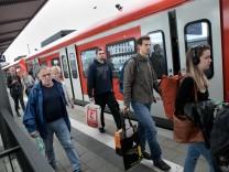 Stammstrecke gesperrt, Fotografiert am Bahnhof Pasing
