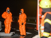 Salpetersäure läuft aus Tanker - Großeinsatz in Brandenburg