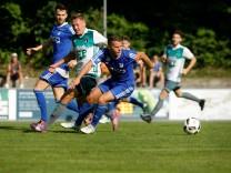 Fußball: FC Ismaning (blau)âē TuS Holzkirchen, Dienstag, 15.08.2017, 16:00 Uhr, Prof. Erich Greipl Stadion, Leuchtenbergstraße 25 in 85737 Ismaning