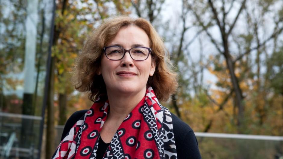 Interview: Reden wir über Geld mit Hebamme Livia Görner