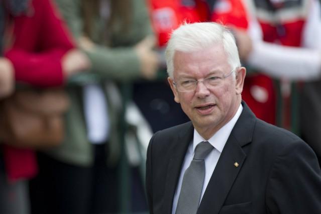 Roland KOCH Ministerpraesident a D von Hessen Ankunft der Trauergaeste vor dem Dom zu Speyer Sta