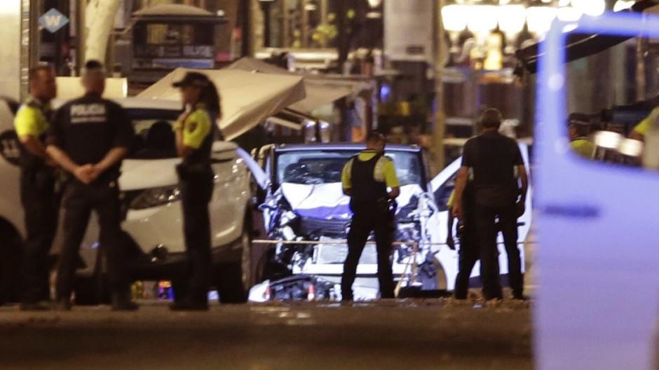 polizei-t-tet-vier-terrorverd-chtige-s-dlich-von-barcelona