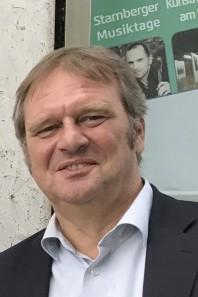 Klaus Götzl ist seit 30 Jahren Geschäftsführer des ehemaligen Tourismusverbands  Fünfseenland und jetzt stellvertretender Geschäftsführer bei der GWT v.li: GWT-Geschäftsführer Christoph Winkelkötter, Landrat Karl Roth, Klaus Götzl, Feldafings Bürgerme