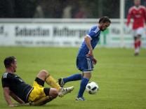 München: FUSSBALL Landesliga / FC Deisenhofen v TSV Moosach