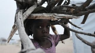 Migration - Nigerianisches Kind auf der Flucht