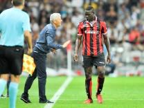 09 Mario Balotelli nice Lucien Favre ENTRAINEUR NICE Fussball Europa League OGC Nice vs F