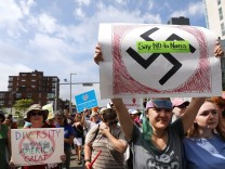 Solidarity With Charlottesville Rallies Are Held Across The Country, In Wake Of Death After Alt Right Rally Last Week; jetzt nazis