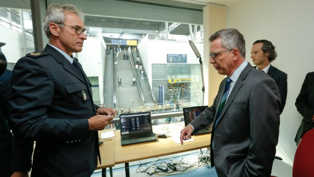 German Interior Minister Thomas de Maiziere Tests New Facial Recognition System