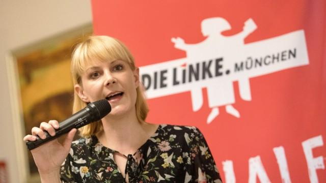 Nicole Gohlke, Die Linke, spricht in der Echardinger Einkehr, Bad-Kreuther-Straße 8