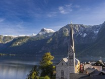 Hallstatt UNESCO Welterbe Hallstätter See Salzkammergut Oberösterreich Österreich Europa Villa