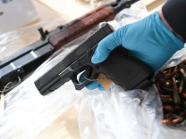 Amok-Waffenhändler vor Gericht