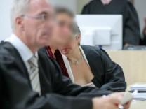 Ärztin wegen Menschenraubs und Geiselnahme vor Gericht