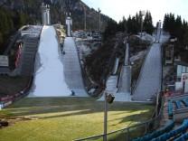 Künstlich produzierter Schnee für Vierschanzentournee