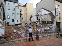 Wo das Uhrmacherhäusl in Obergiesing abgerissen wurde, klafft nun eine Lücke.