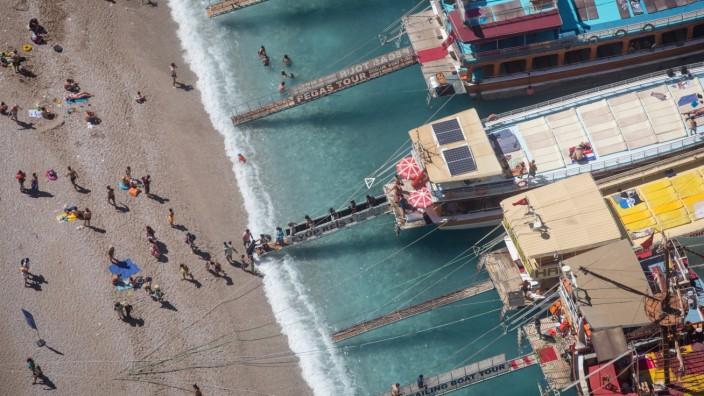 Türkei-Urlaub: Touristen in Ölüdeniz