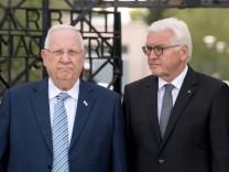 Steinmeier und Rivlin besuchen KZ-Gedenkstätte