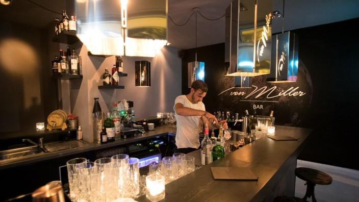 Bar Von Miller, Oskar von Miller Ring 33