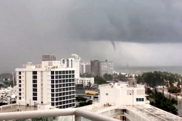 A tornado is seen from Fort Lauderdale beach