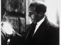 Die humane Kamera Heinrich Böll und die Fotografie 1. September 2017 – 7. Januar 2018 Chargesheimer Heinrich Böll, um 1959 © Museum Ludwig, Köln Foto: Rheinisches Bildarchiv Köln HB_