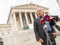 AUT, Peter Pilz tritt bei den Grünen aus