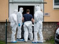 Mutter und Kind in Detmold getötet: Nachbar gesteht Tat