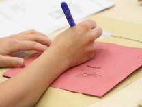Vorbereitung von Briefwahlunterlagen im KVR in München, 2013