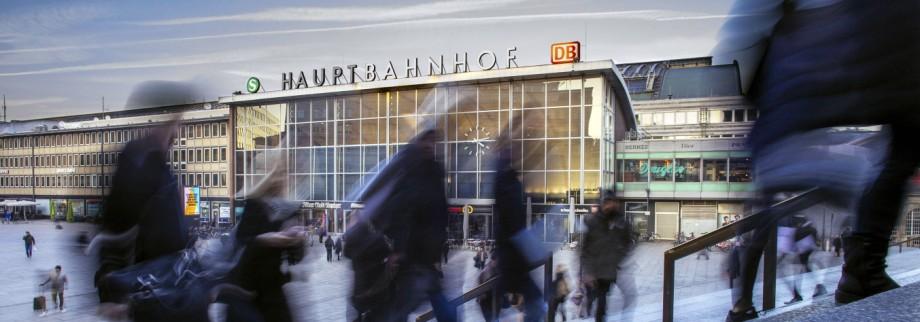 Bahnhofsvorplatz des Kölner Haupfbahnhofs Köln 19 01 2016 Foto xC xHardtx xFuturexImage