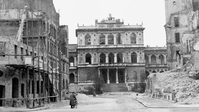 Amalienstraße und Akademie der Bildenden Künste in München