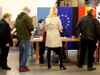 People vote in the general election (Bundestagswahl) in Berlin