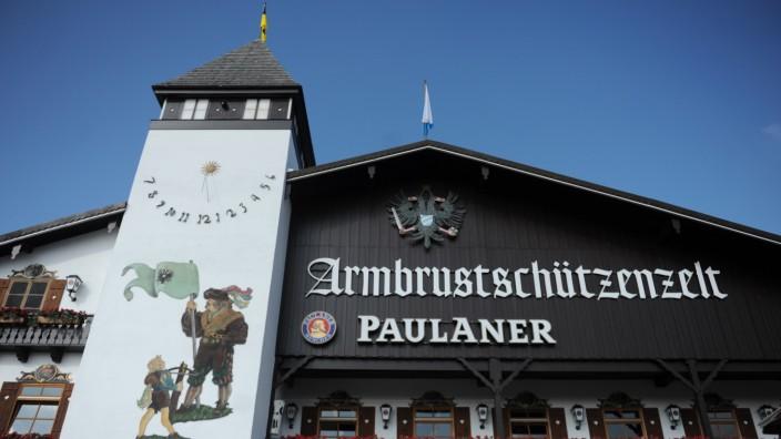 Das Armbrustschützenzelt auf dem Oktoberfest in München