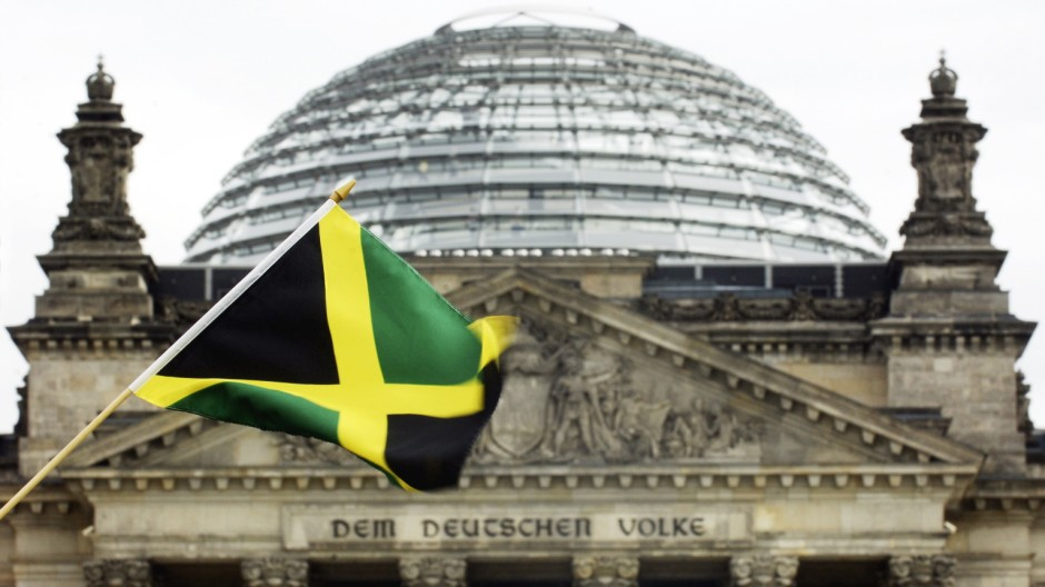 Jamaika-Fahne vor Reichstag