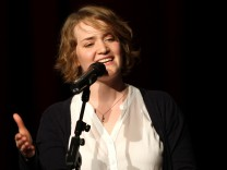 Franziska Holzheimer beim Poetry Slam im Münchner Lustspielhaus, 2012