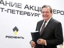 Schröder auf der Rosneft Aktionärsversammlung