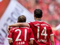 20 Mai 2017 Muenchen Allianz Arena Fussball 1 Bundesliga 34 Spieltag FC Bayern Muenchen SC; Lahm Alonso
