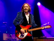 FILE: Musician Tom Petty Dies At 66