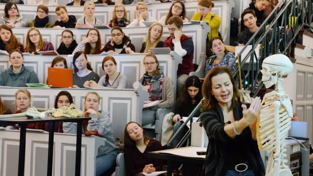Medizin-Vorlesung in Halle-Wittenberg