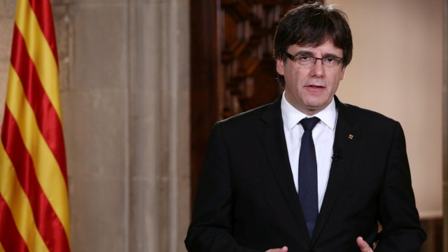 Catalan Regional President Puigdemont makes an statement at Generalitat Palace in Barcelona