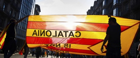 Bilder des Tages Spanien Katalonische Proteste in Barcelona A view of a protest at Barcelona s Univ