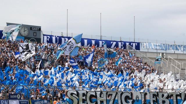 1860 München Fankurve Fussball Grünwalderstadion 29 07 2017 TSV 1860 München TSV 1860 Rose; Fußball