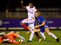 Chelsea Ladies v Bayern Munich - UEFA Womens Champions League Round of 32: First Leg